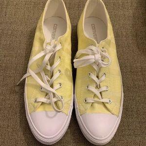 Yellow converse size 10